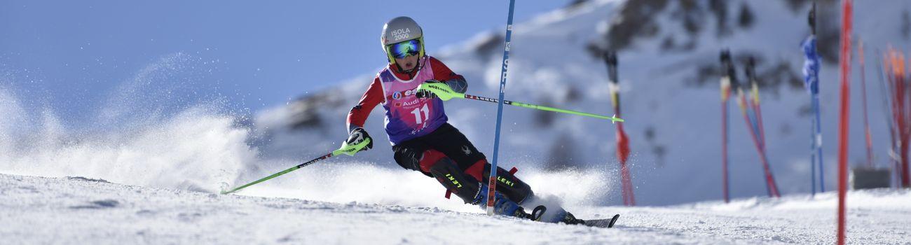 Enfant lors d'une compétition de ski à Isola 2000