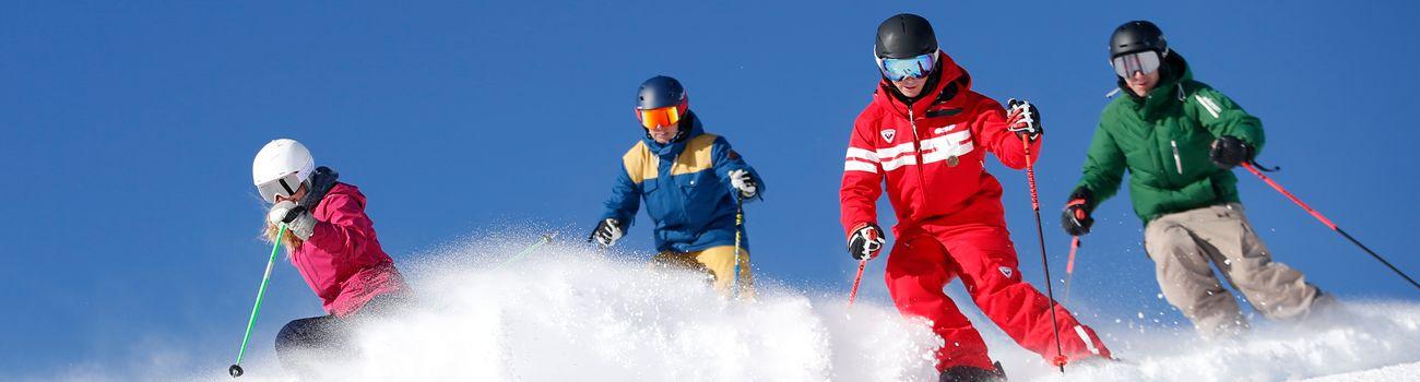 Moniteur ESF Isola 2000 et ses élèves en ski