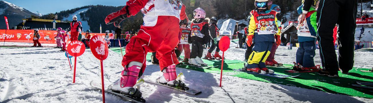 Petits en ski au Club Piou-Piou de La Comiane