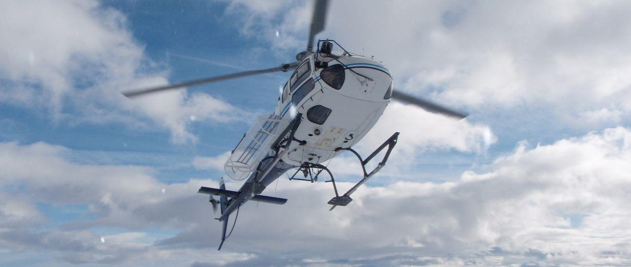 Hélicoptère pour sortie hors-piste